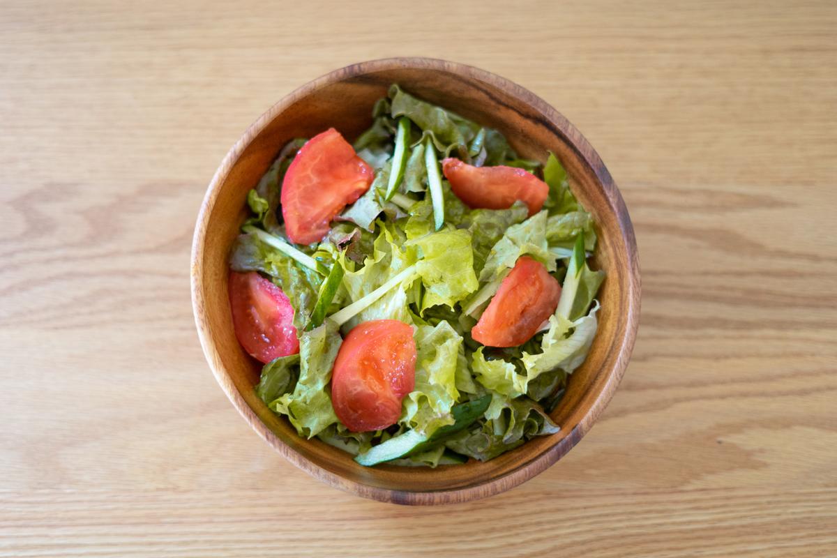 レタスとトマトのサラダ(ぽん酢ドレッシング)